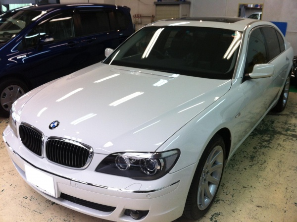 BMW750iLボンネット