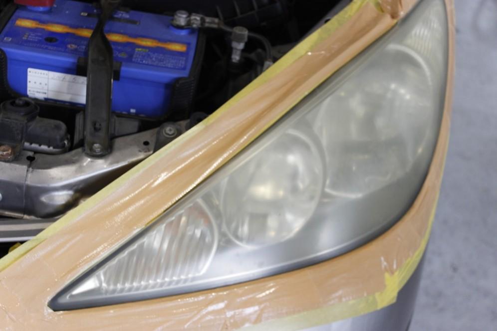 ヘッドライトクリーニングサンプル1施工前