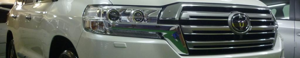 トヨタ ランドクルーザー200-フロントグリル